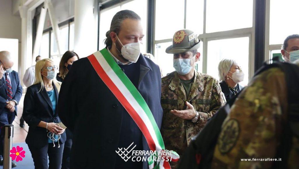 Alan_Fabbri_Sindaco_Ferrara_Generale_Figliuolo_Fiera_Vaccino